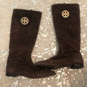Tory Burch boot!